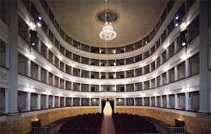 Teatro G. Pacini  (interno)