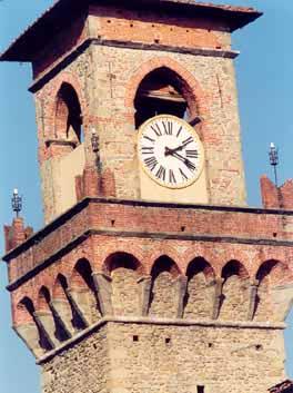 un particolare della Torre Civica